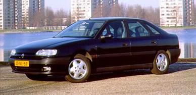 Хэтчбэк бизнес-класса Safrane так и не смог на равных конкурировать с престижными немецкими автомобилями.