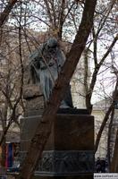 Н.В. Гоголю на Никитском бульваре